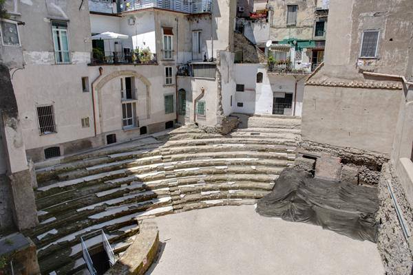 Al Teatro Romano di Neapolis visite speciali e gratuite