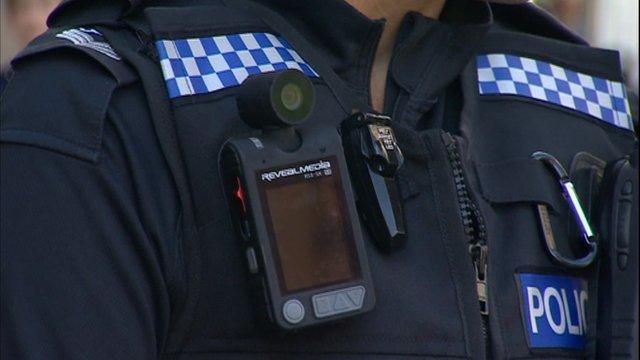 Da lunedì poliziotti a Napoli con le body-cam