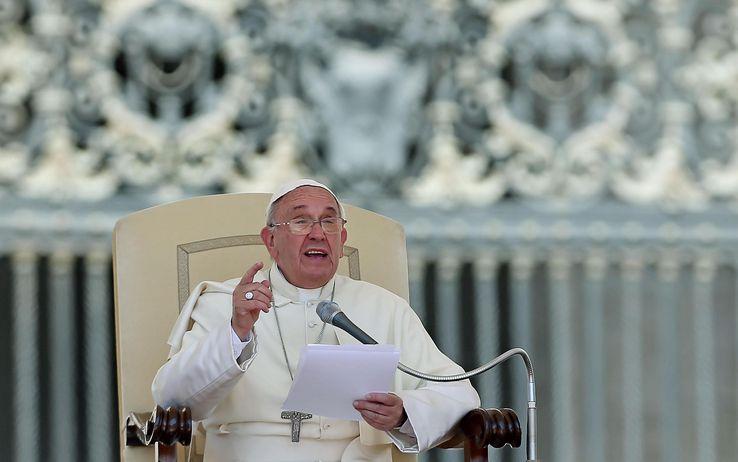Caso Whirpool: anche il Papa lancia un appello a favore degli operai di Carinaro