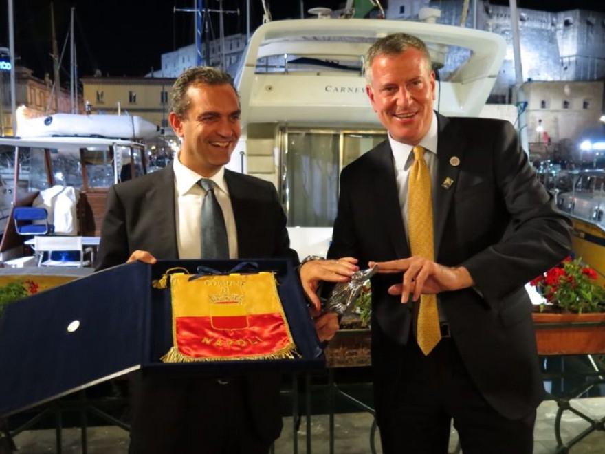 De Magistris a New York: Il sindaco partenopeo vola nella Grande Mela per promuovere Napoli