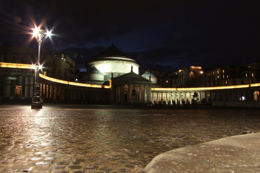Illuminazione pubblica a Napoli: approvato piano efficientamento energetico