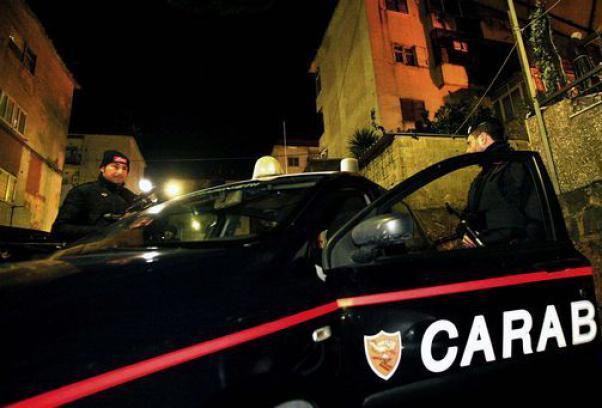 Luigi Cuccaro arrestato tra la folla che cercava di difenderlo