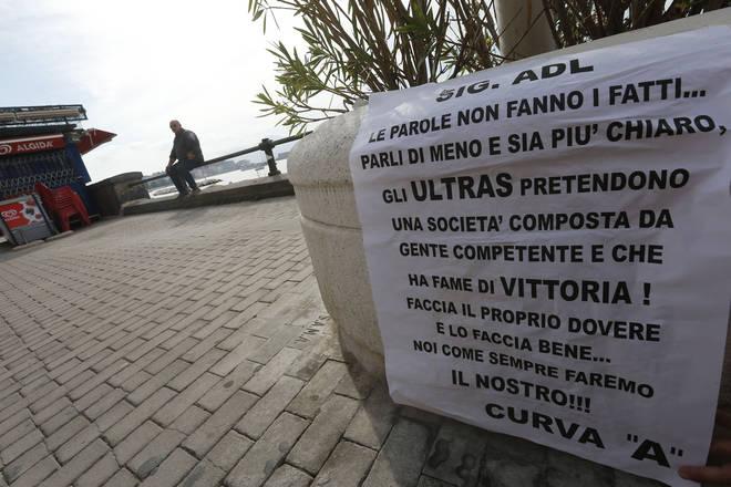 Manifesti contro Aurelio De Laurentiis spuntano per la città