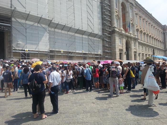 Reggia di Caserta, assemblea sindacale crea il caos tra i turisti