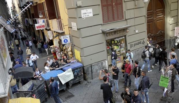 San Biagio dei Librai: tenta di rapinare turista spagnola, preso dalla polizia