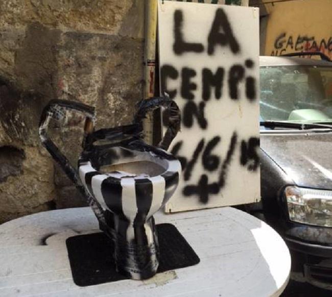 Sfottò anti-Juve, water a forma di Champions nei Quartieri Spagnoli