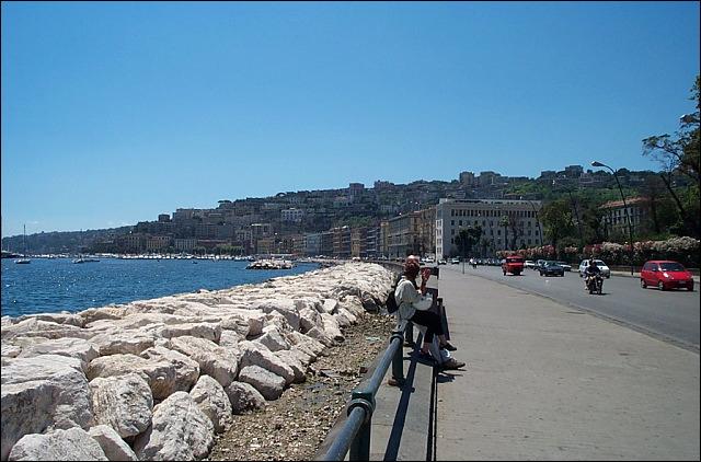 Annullato il Parthenope Village: nessun evento sul lungomare di Napoli.