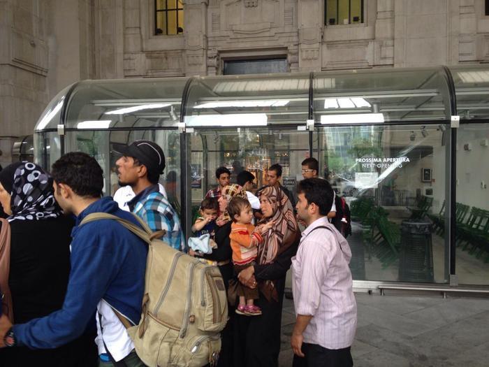 Arrivo degli immigrati ad Acerra: trasferiti in un centro di accoglienza