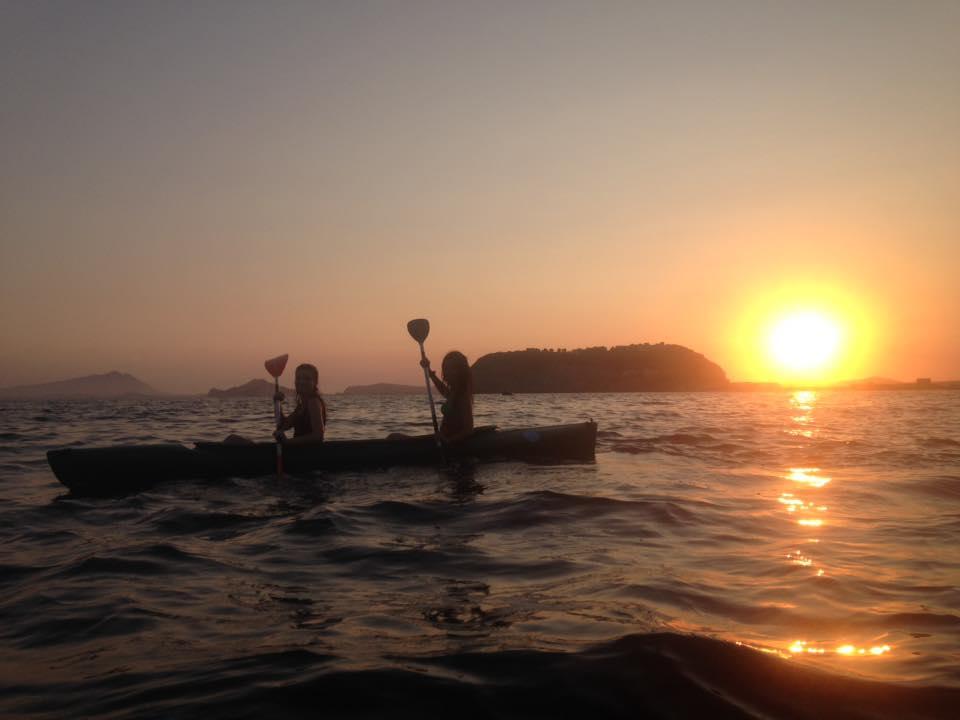 Festa della luna piena: un giro in Kayak a Napoli illuminati dalla luna