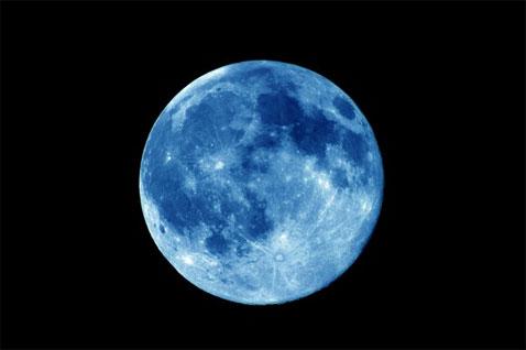 Arriva la Luna Blu: questa sera tutti con il naso all'insù