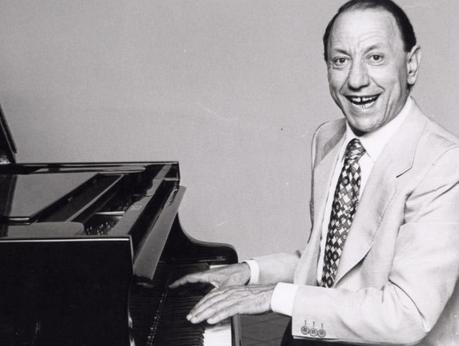 Renato Carosone: una strada per il grande cantautore napoletano
