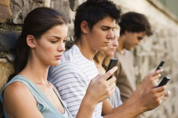 Tariffe dei cellulari: nuovi rincari in arrivo