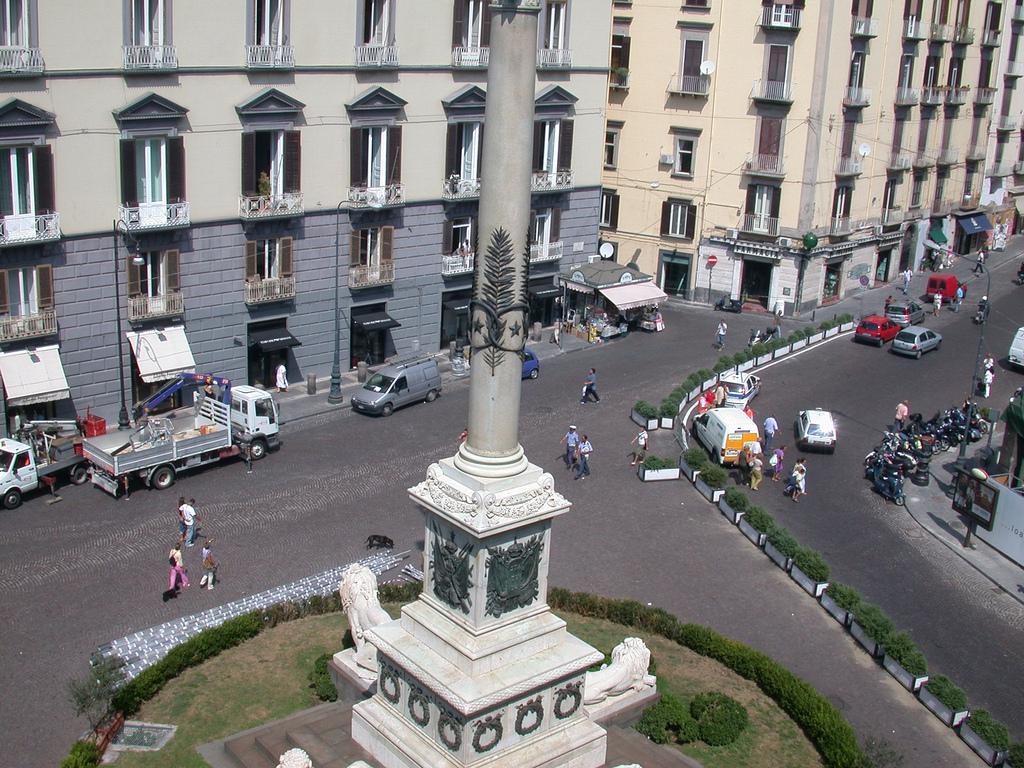 Agguato a piazza Mancini: c'è un morto di 36 anni e un ferito
