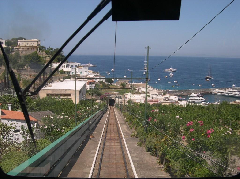 Nuova funicolare a Capri, l'annuncio di De Luca