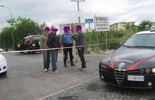 Trentola Ducenta: uccide quattro persone per un parcheggiato