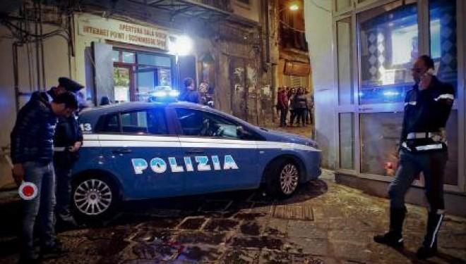 Spari contro una casa a Napoli: la stessa via in cui sono stati feriti tre ragazzi la scorsa notte