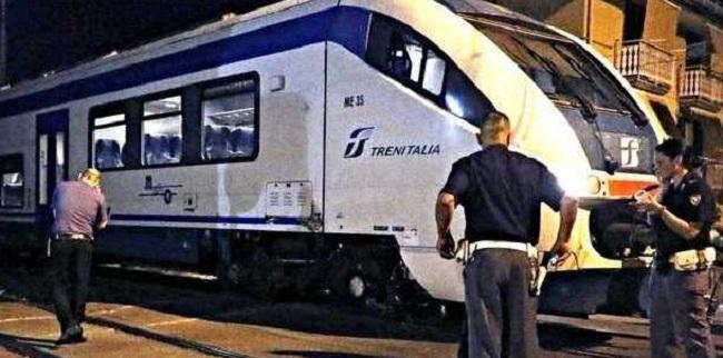 Salerno, treno travolge ragazzo di 20 anni al passaggio a livello