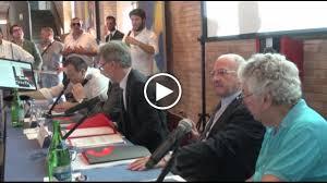 Vincenzo De Luca ci prova con la consigliera (video)