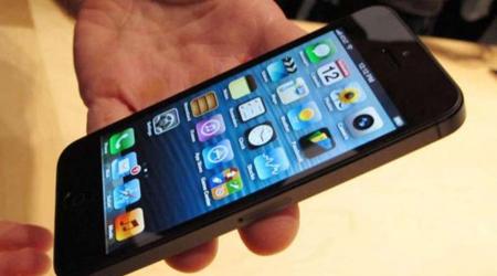 Ragazzi denunciati per ricettazione: smartphone rubati nascosti in auto