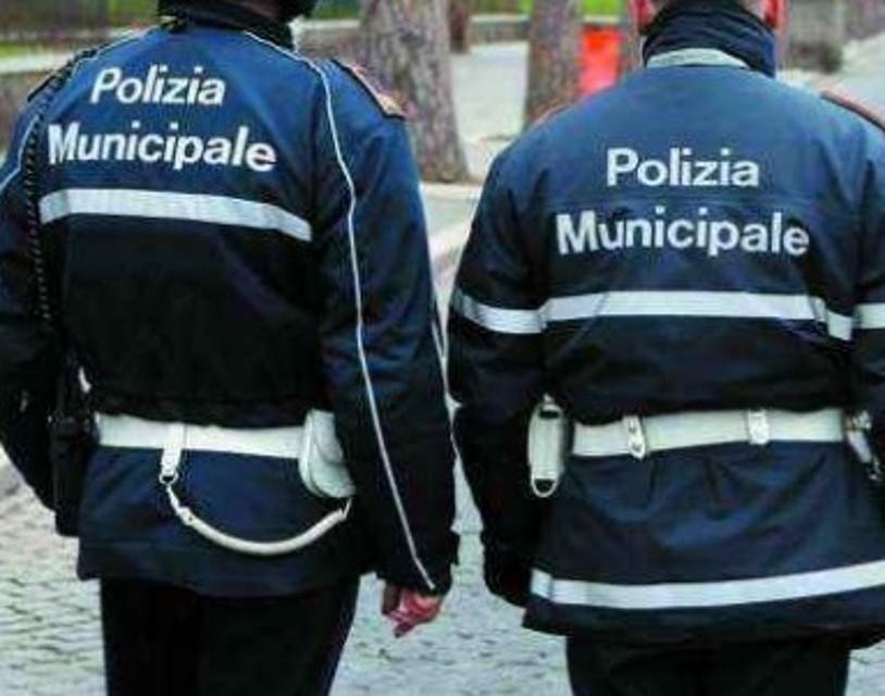 Tentata rapina a croceristi: polizia municipale interviene tempestivamente
