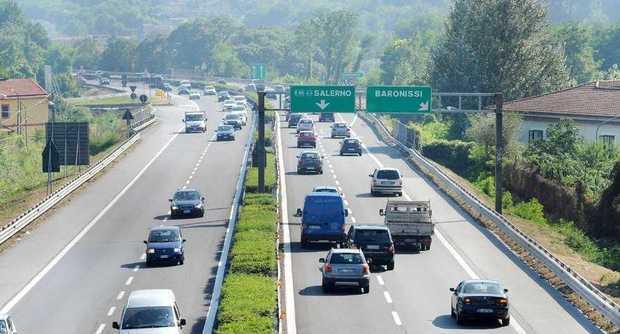 Traffico sul raccordo Avellino-Salerno: disagi causa incidente
