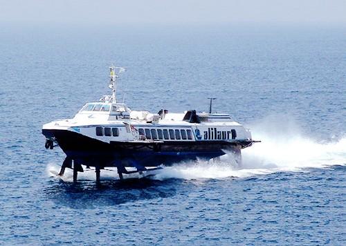 Aliscafo in avaria: il rientro a Napoli con diverse ore di ritardo