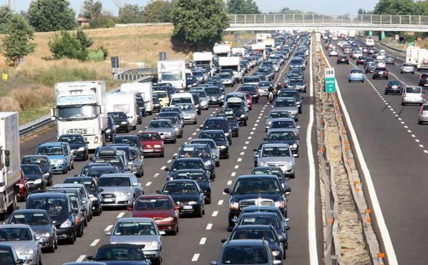 Traffico intenso sulle strade: è bollino nero per il weekend