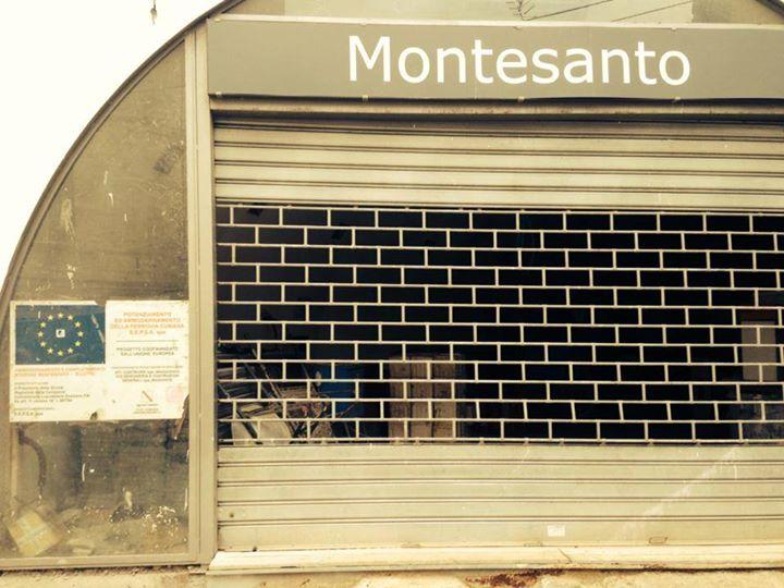 Il cantiere abbandonato di Salita Montesanto. La protesta dei movimenti (FOTO)