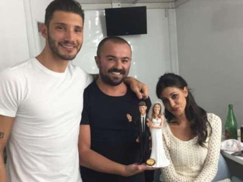 Belen Rodriguez e Stefano De Martino nel presepe napoletano
