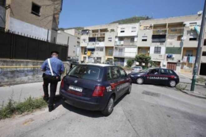 60 colpi d'arma da fuoco esplosi a Napoli