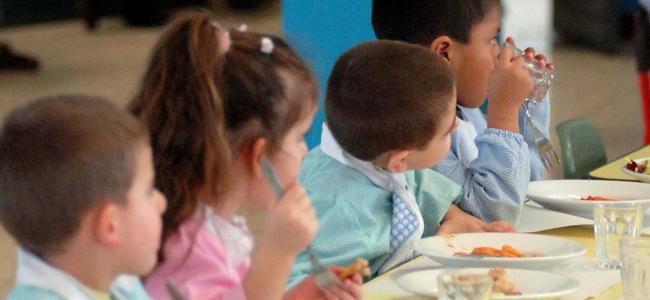 Mense scolastiche a Napoli: trovato un dente nelle vaschette per il pranzo