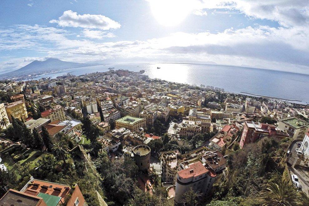 Napoli vista dai gabbiani: Riccardo Siano racconta Napoli