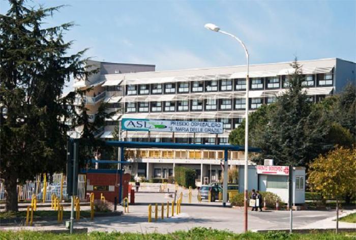 Paziente porta pistola in ospedale: arrestati in due a Pozzuoli