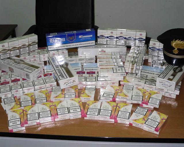 Sigarette di contrabbando a Napoli: sequestrati 600 kg