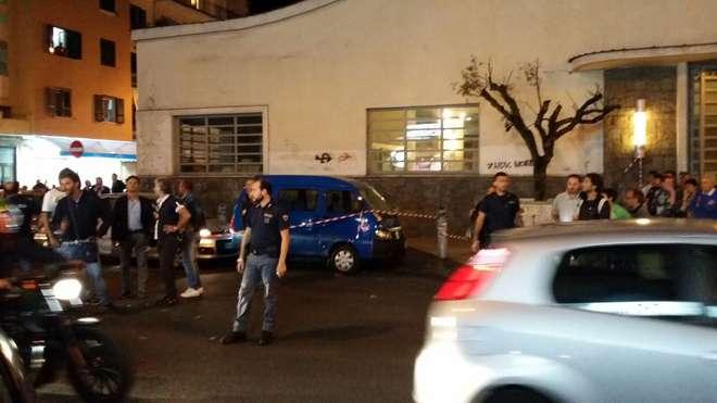 Sparatoria a Fuorigrotta, gravi le condizioni del poliziotto ferito