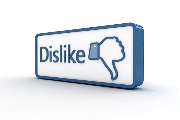 Facebook, arriva il bottone dislike