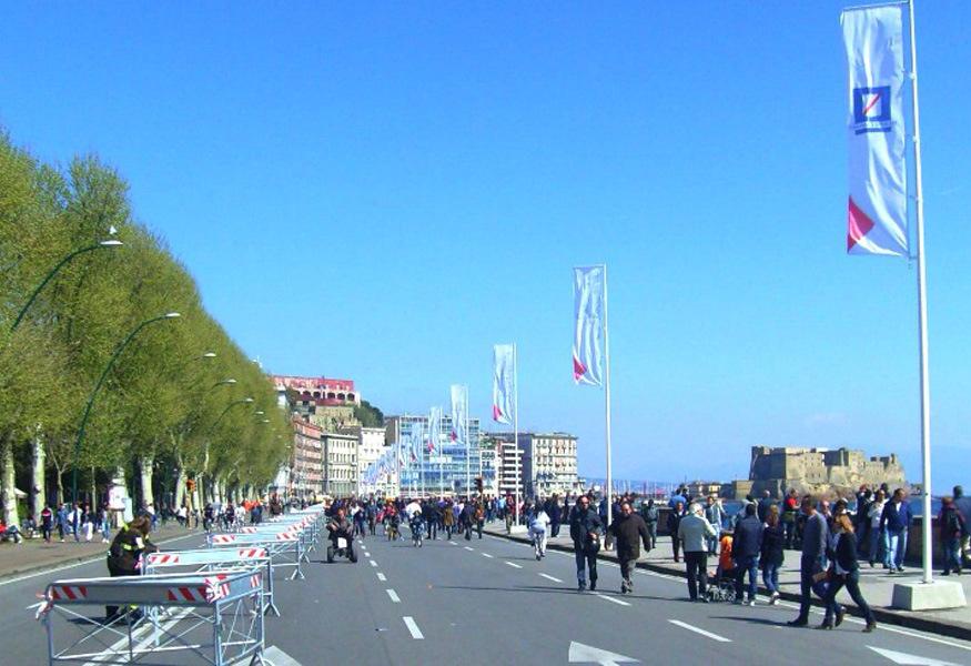 Agosto ci ha salutati, ma l'estate a Napoli continua anche a settembre, grazie al ricco programma di eventi organizzato in città.
