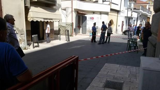 Caserta, San Marcellino: moglie spara al marito