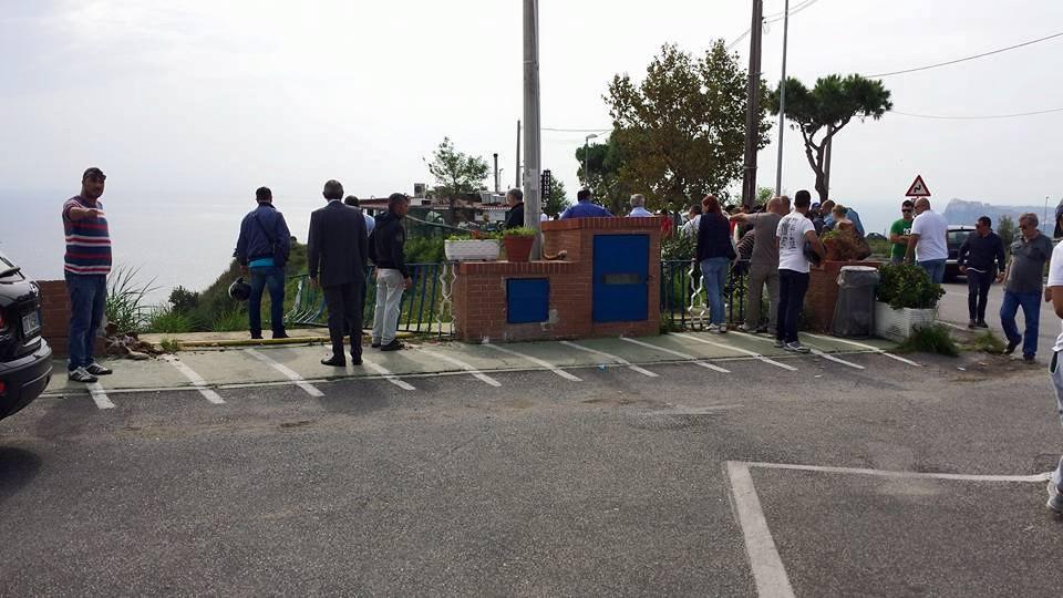 Auto in burrone a Monte di Procida, morta una delle due ragazze a bordo