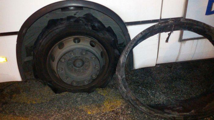 Bus Anm: esplode una gomma, paura tra i passeggeri