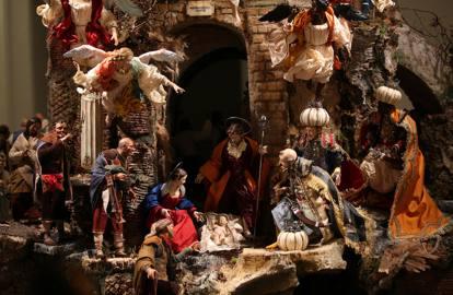 Le Sette opere di Misericordia nel presepe dei fratelli Scuotto per la St. Patrick's Old Cathedral di New York