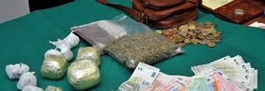 Spacciavano marijuana in casa: arrestato 47enne e denunciata la figlia minorenne