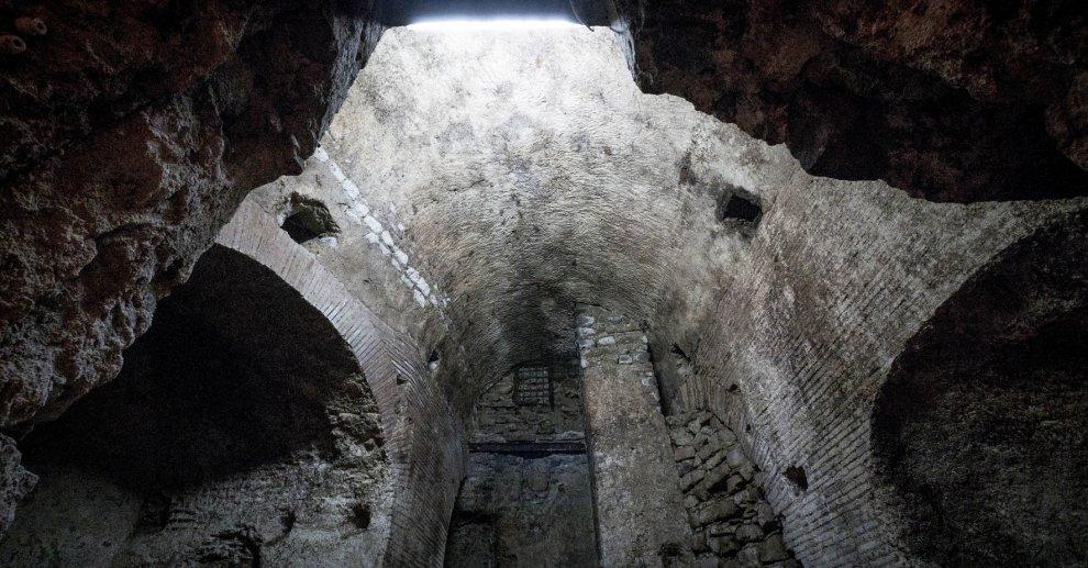 acquedotto romano a napoli