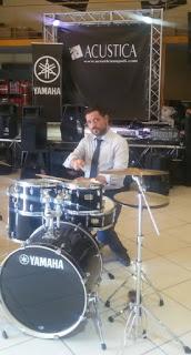 Il Minore e la Musica: Avvocati e cantanti donano strumenti musicali all'Istituto Penale Minorile di Nisida