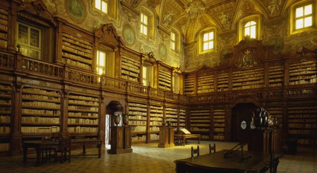 Biblioteca dei Girolamini: code chilometriche per l'apertura eccezionale