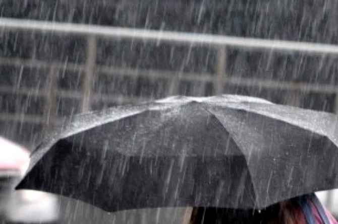 Ciclone Forza 2: tornano le piogge e torna l'allarme Meteo, anche in Campania e Napoli