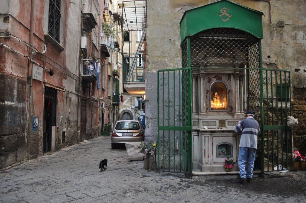 Edicole votive di Napoli: la mostra di Luca Iovino