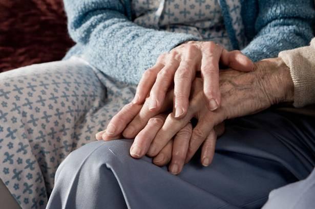 Muoiono insieme d'infarto: erano sposati da 40 anni