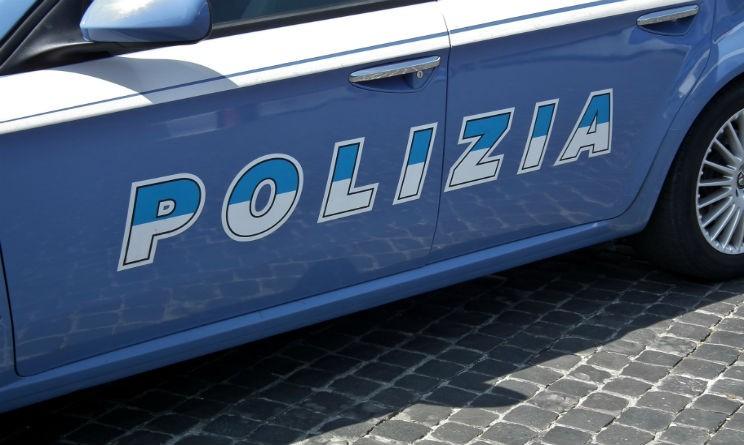 Poliziotti arrestati: usura e auto di servizio per D'Alessio