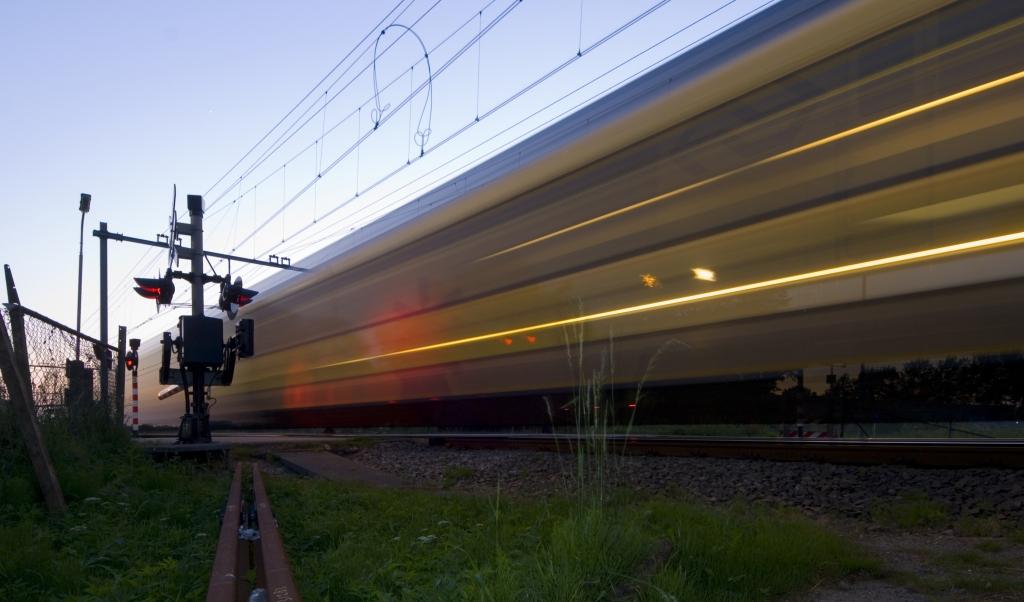 Delrio ha annunciato ad Acerra che entro dieci anni sarà possibile viaggiare, in treno, sulla tratta Napoli-Bari in circa due ore.